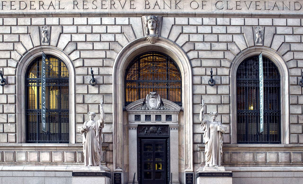 Symmetrical photo of the Reserve Bank of Cleveland.